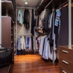 How to decorate and organize a small closet