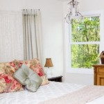 Shabby chic decor in the bedroom