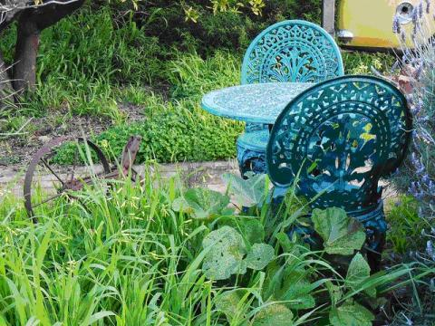 garden decor mistakes