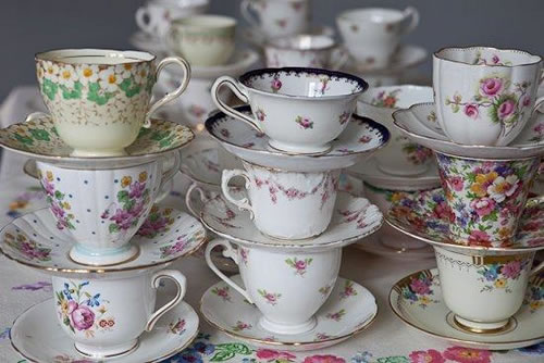 crockeries with vintage pieces